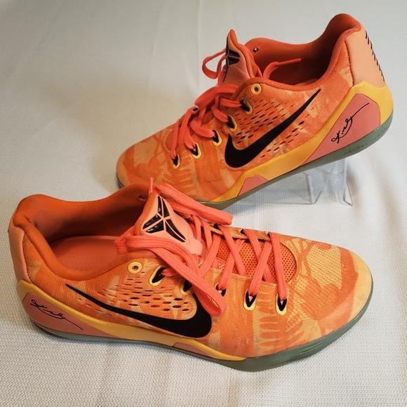 607ade3d3a77 Men s Nike Kobe Peach Mango Orange- Size 9.5. M 5c72005ca5d7c68fec4c0bd5